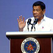 """""""Adieu l'Amérique !"""" : Duterte, le président des Philippines, menace de renoncer à la coopération militaire avec les USA - Ça n'empêche pas Nicolas"""
