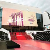 Bono et Adam au NRJ Music Awards -Cannes -04-11-2017 - U2 BLOG