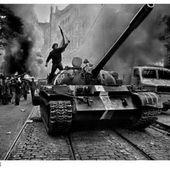 Prague 1968 - Koudelka - LANKAART