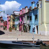 Burano adorable village tout en couleurs - Hélène SF
