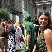 """""""Procès des animaux"""" : Sophie Rauszer en soutien aux lanceurs d'alertes anti-pesticides à Bruxelles - France Insoumise - Benelux"""