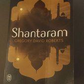 SHANTARAM de Grégory David ROBERTS  (  J'ai lu)  1080 pages