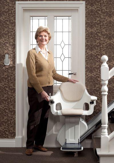 Qué hay que tener en cuenta a la hora de adquirir sillas salvaescaleras