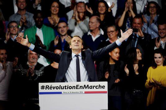 Emmanuel Macron lors de son meeting à Paris le 10 décembre 2016, photographie d'Alain Guilhot
