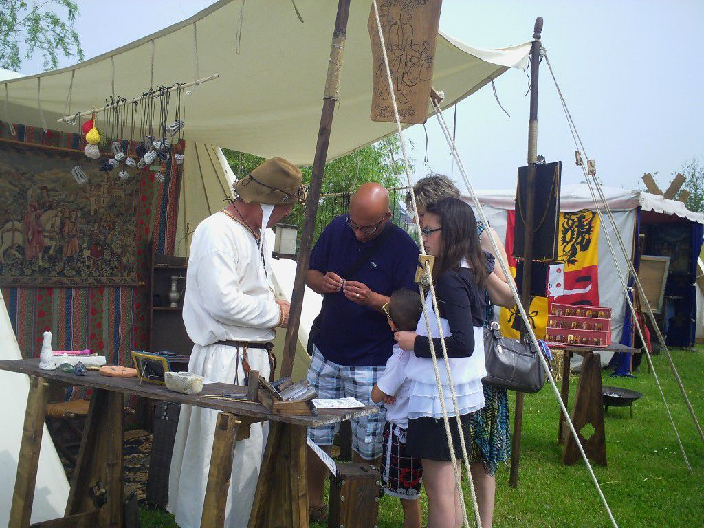 first medieval feast MERVILLE