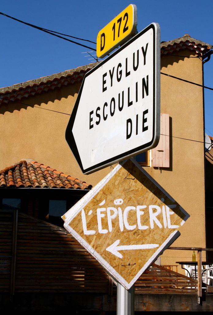 L'épicerie, c'est par ici! (Photos G.V.)
