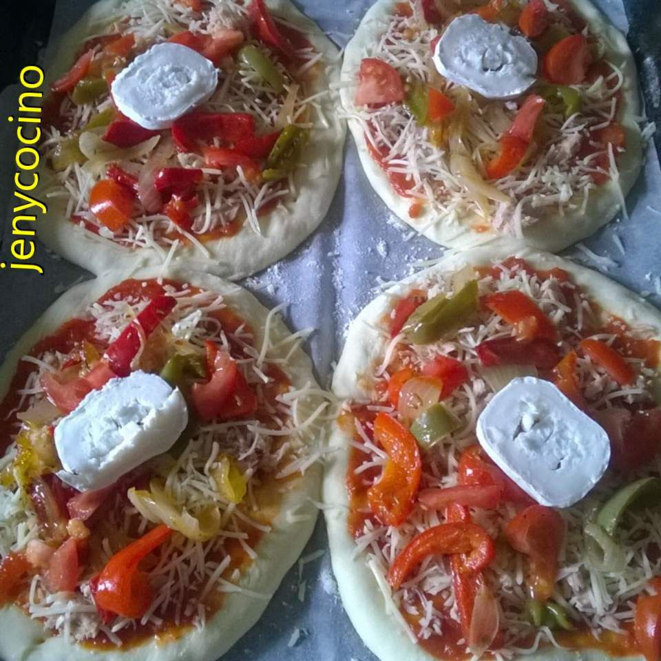 Pizza aux poivrons et chèvres