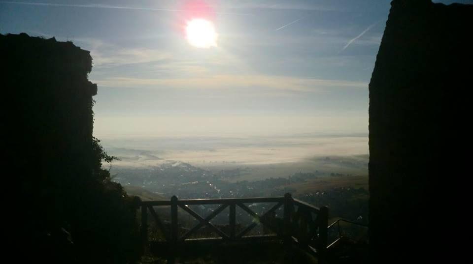 Depuis les remparts du Saint Ulrich. Le soleil nous prépare une belle journée.