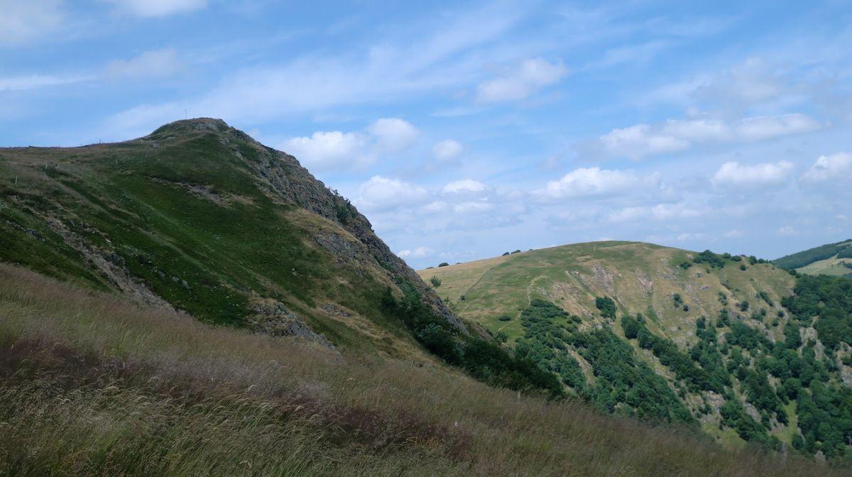 """Le Rothenbachkopf avec son sommet asymétrique, également appelé """"le Cervin des Vosges""""."""