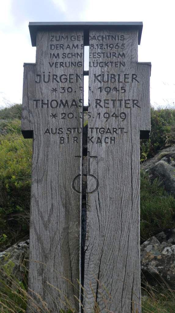 Ce monument est là pour nous rappeler que le massif des Vosges malgré sa faible altitude n'est pas sans risque....