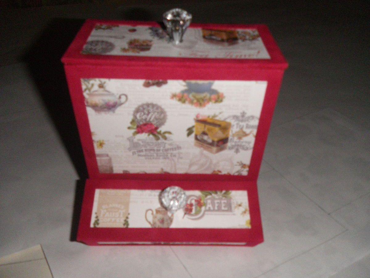 Boîte à café pour différents café soit en sticks où en capsules