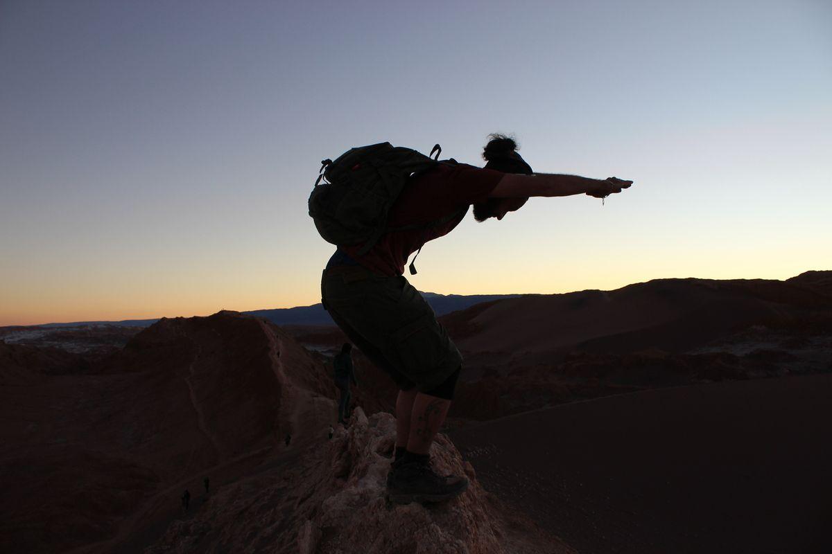 Point de vue sur la dune de la Valle de la Luna, lieu d'observation du coucher de soleil