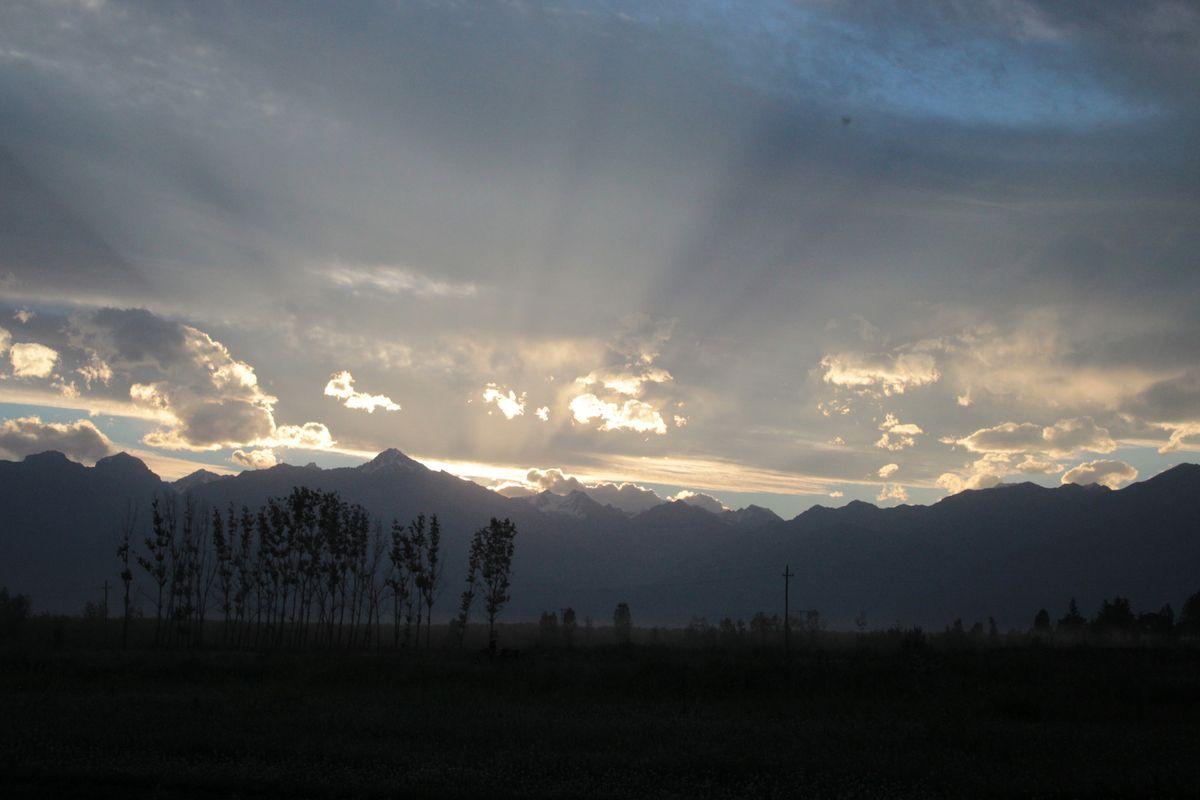 Fin de journée, changements de couleurs incroyables pendant le coucher de soleil sur la Cordillère des Andes