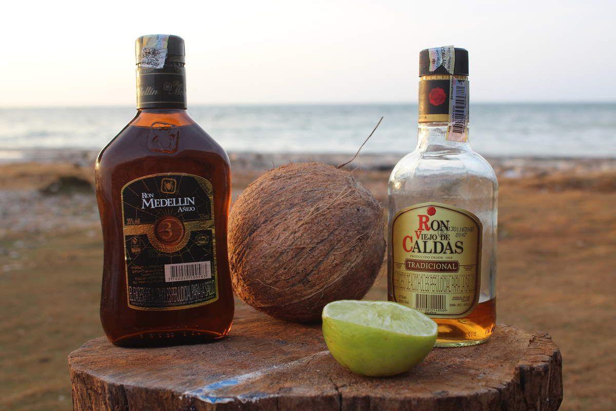 Comme on est des gens prévoyants, on avait emmené avec nous nos petites bouteilles de Ron pour le Ti'punch quotidien! Ce soir-là, on l'a agrémenté d'eau de coco toute fraiche, un délice!