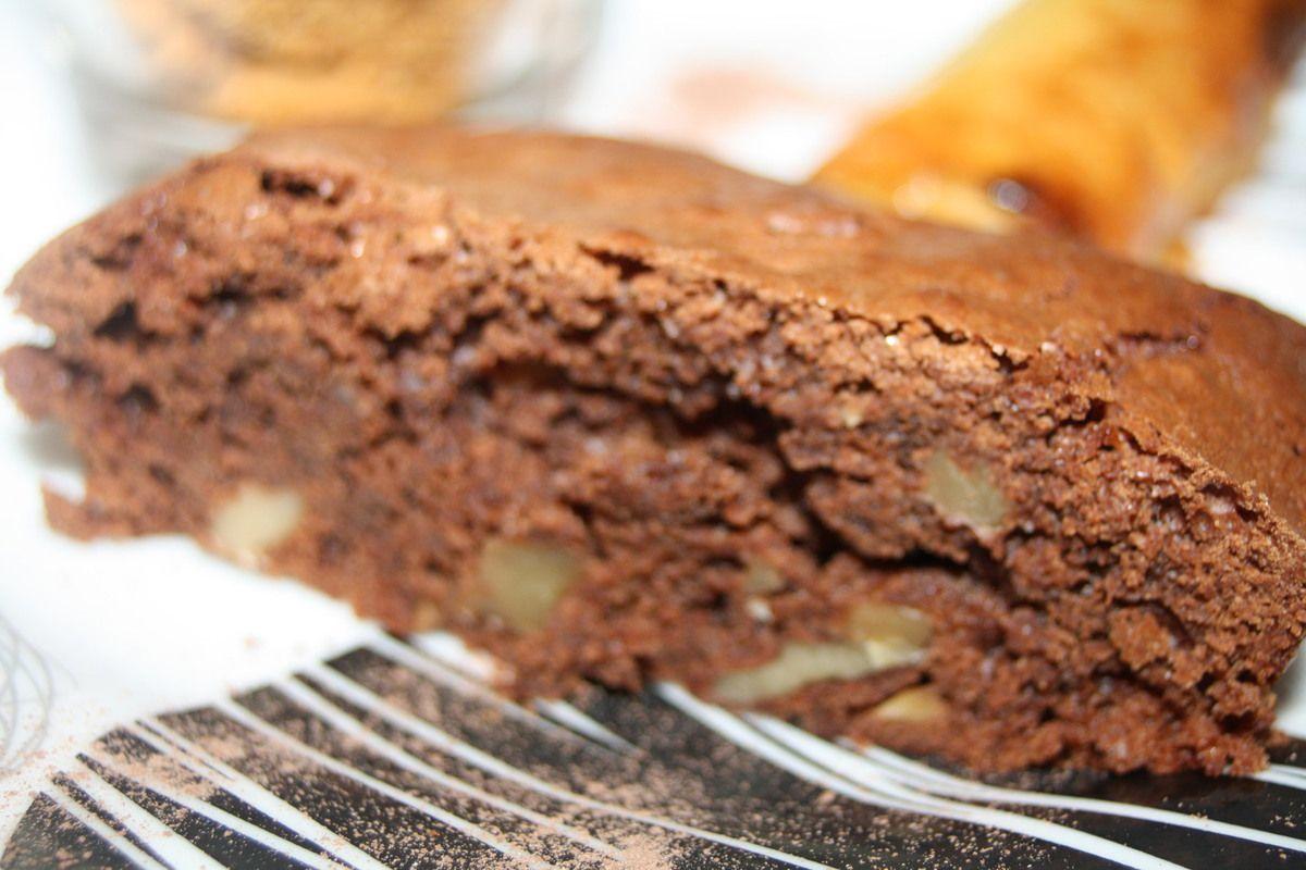 J'avais fait un dessert composé de 3 parties ce jour là. Hier, c'était le recette du nem choco-banane, aujourd'hui le brownie, et demain le tiramisu aux pépites de chocolat et Spéculoos.