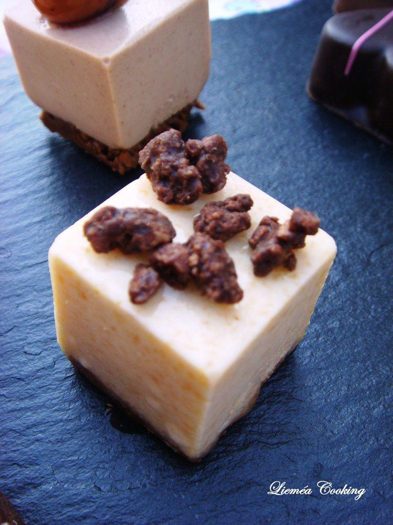 Cube mousse pèche spéculoos et crumble chocolat