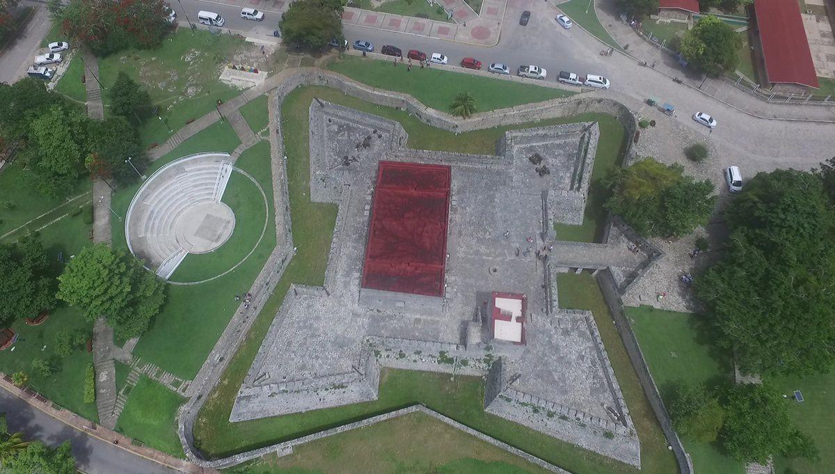 Vue aérienne de la forteresse de Bacalar