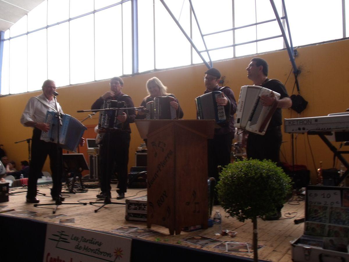 Gala d'accordéon de St Sornin (16) organisé par le Fan Club de Jean Pierre Roy