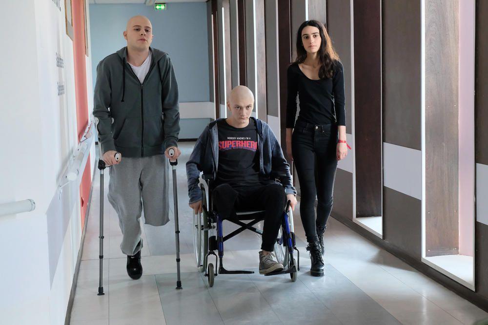 style de mode style de la mode de 2019 le plus populaire Les Bracelets Rouges : où se situe l'hôpital dans lequel est ...