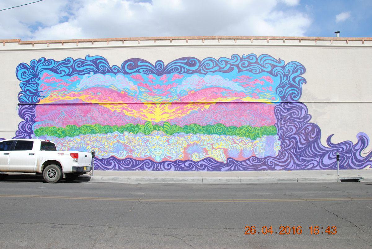Le 66 diner  fresques sur les murs