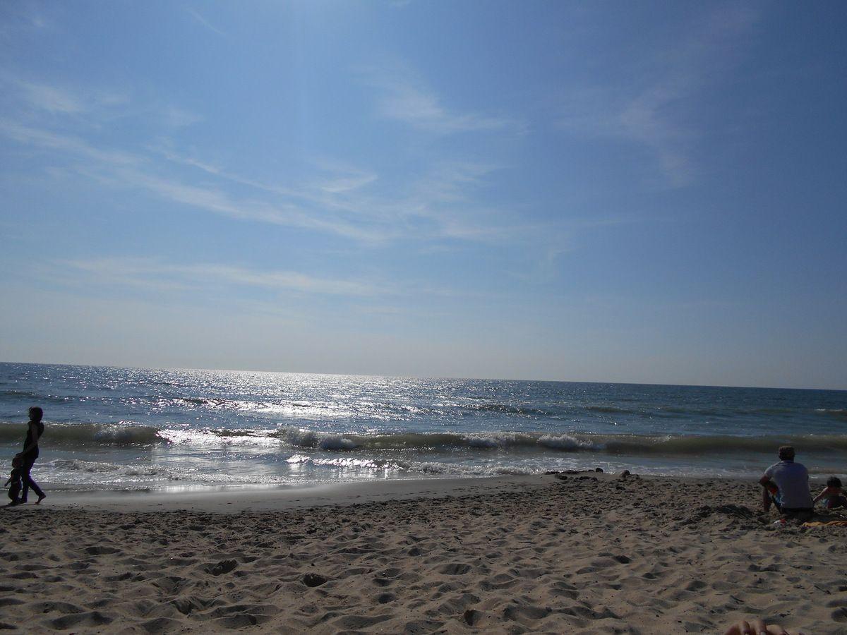 Et on finit l'après-midi à la plage.......