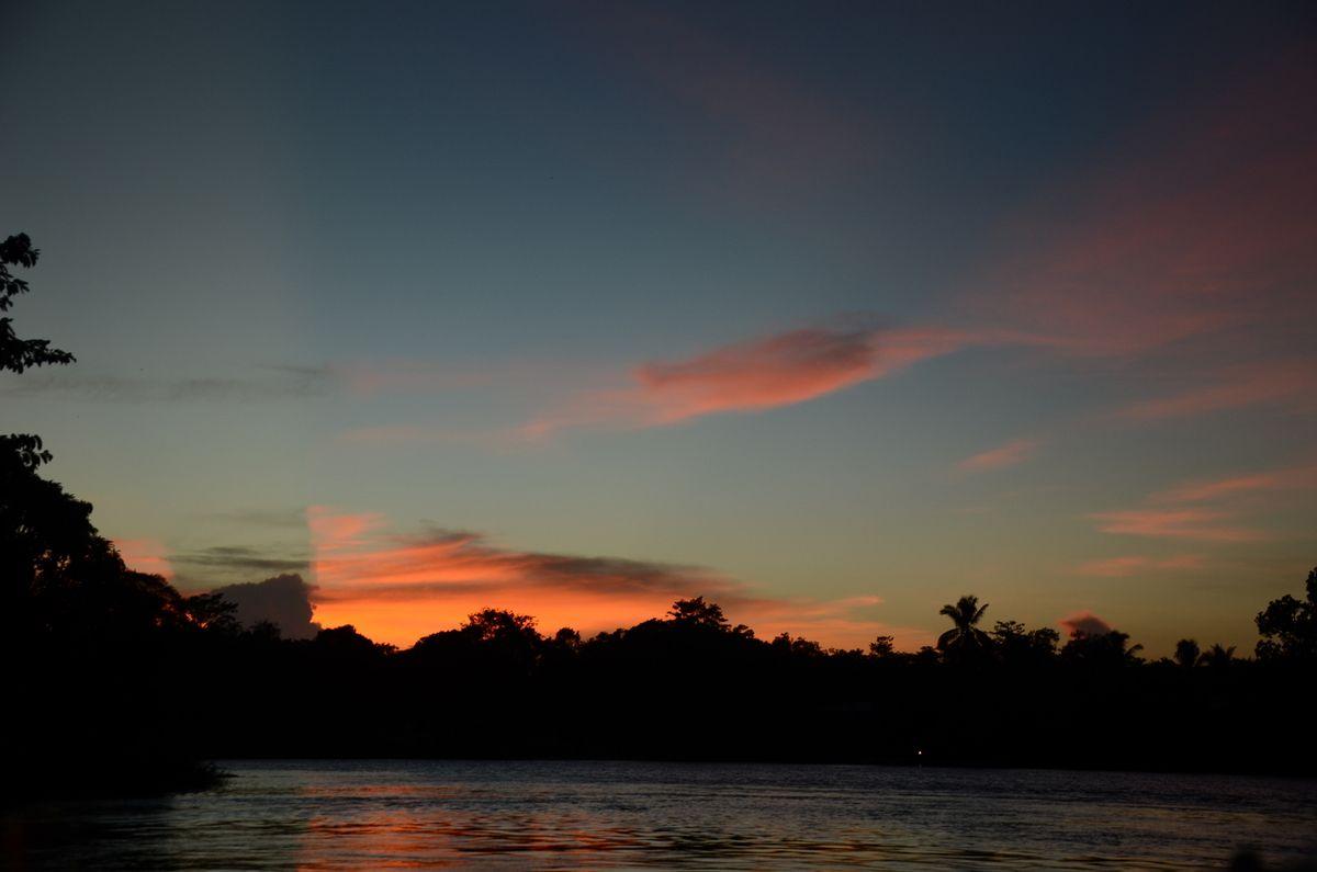 Kuala Lumpur et la partie terre de Bornéo