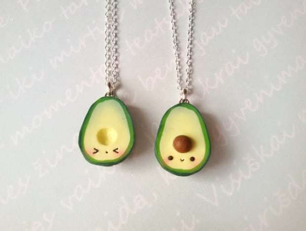 source vhttp://static.mmzstatic.com/wp-content/uploads/2016/06/collier-amitie-avocat-etsy.jpghttp://static.mmzstatic.com/wp-content/uploads/2016/06/collier-amitie-avocat-etsy.jpg https://img1.etsystatic.com/035/0/8194215/il_fullxfull.627698061_i7pp.jpg   http://media.claires.co.uk/pws/client/images/catalogue/products/94122/large_mobile/94122.jpg    http://i2.cdscdn.com/pdt2/5/2/1/1/700x700/auc3609520722521/rw/collier-plaque-or-cle-d-amour.jpg