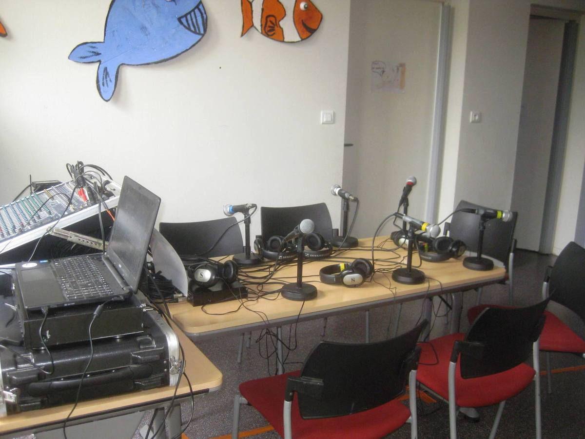 Le studio à Gaillac, émission animée par Julien .