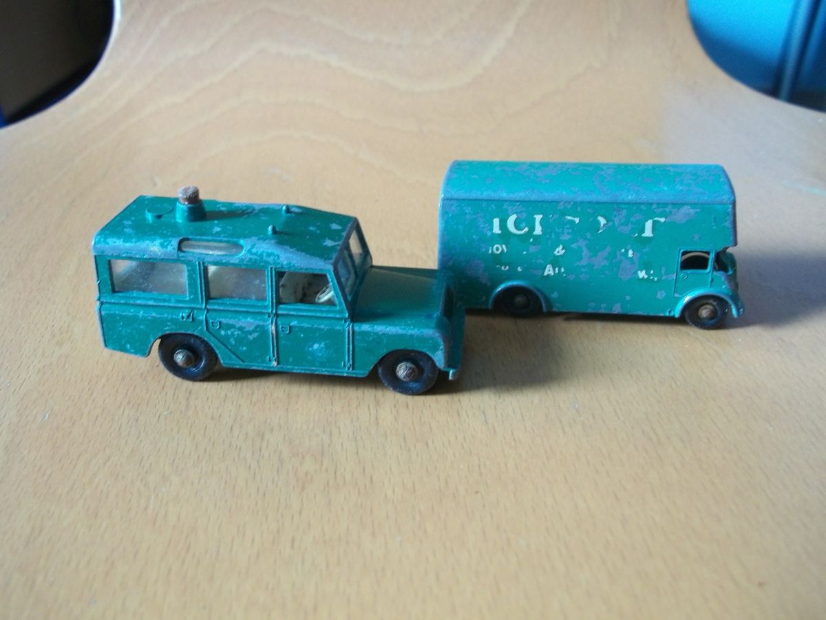 matchbox séries 12 land rover safari, pickford removal van n°46 ..bedford tipper n°3 majorette DAF 2600 ech 1/100