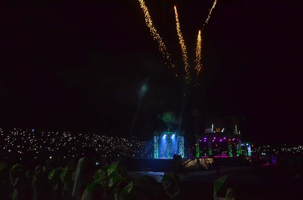 Spectacle son et lumière grandiose au stade Demba Diop lors des Grandes Journée Culturelles Cheikh Ahmadou Bamba © Assane sow