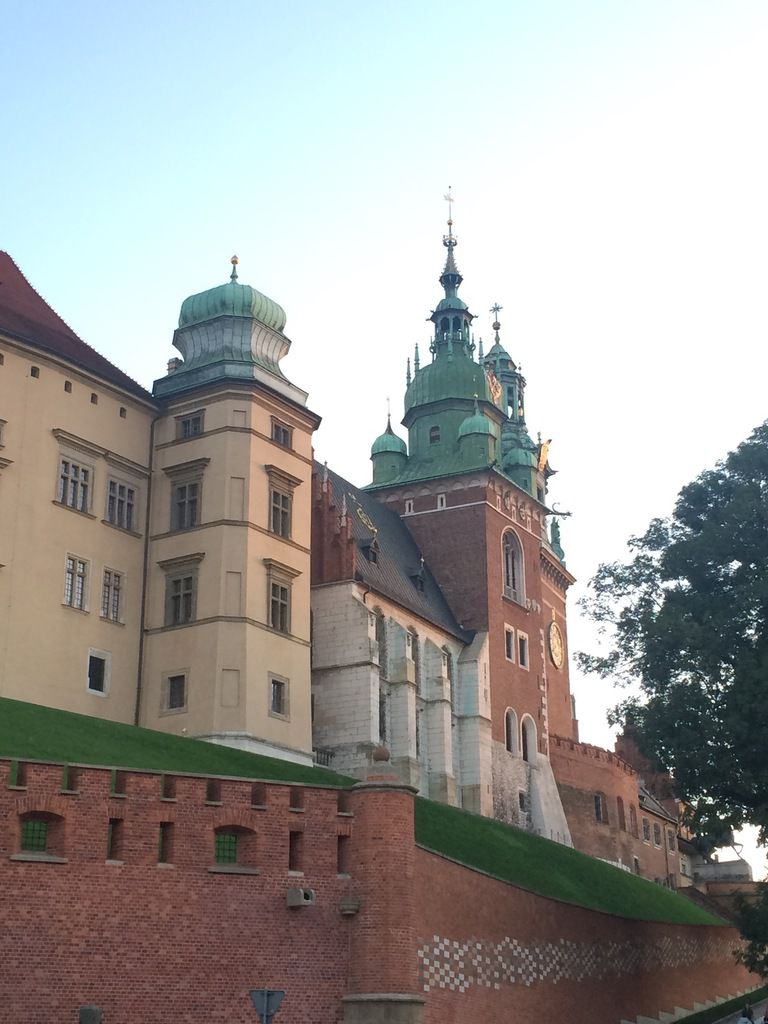 La Vistule, Cracovie / Chateau de Wawel, Cracovie / Philharmonie, opéra, Cracovie