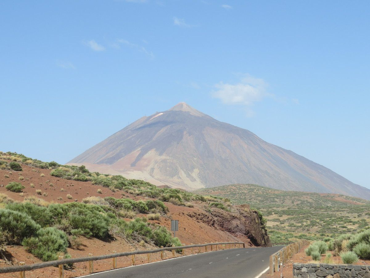 LE VOLCAN DOMINE LE PAYSAGE
