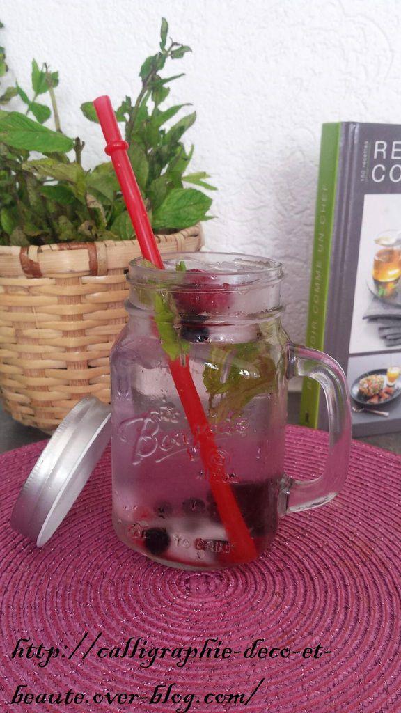 Drinking jar bocal mug avec couverle et paille