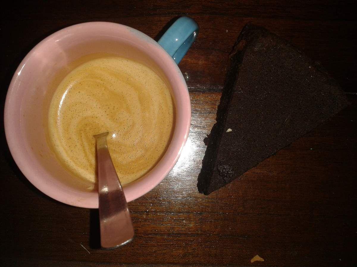 pause du jeudi : café , gâteau au chocolat