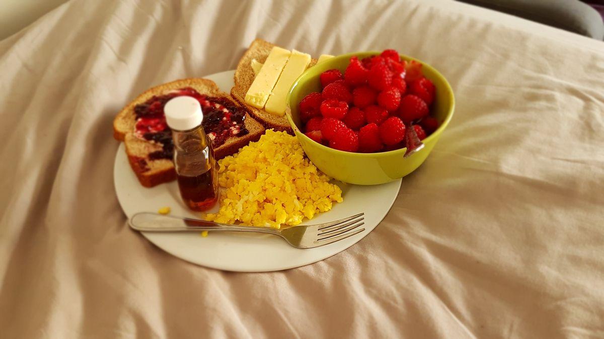 Mon petit déjeuner au lit :)