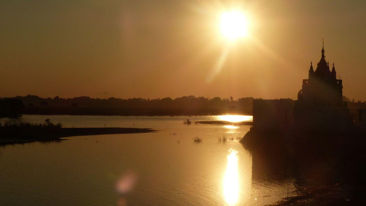 Coucher de soleil au U-bein bridge - Amarapura