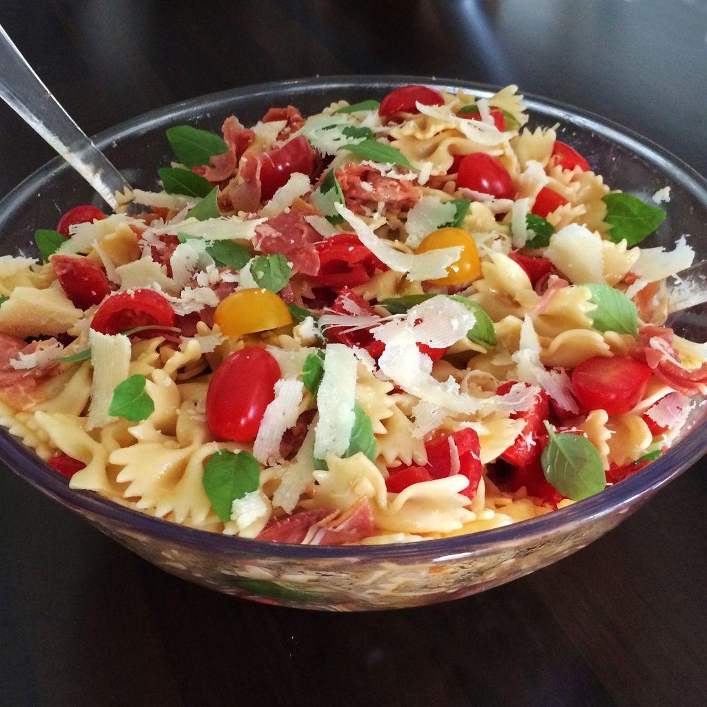 Salade de pates parmesan jambon cru basilic communchef - Salade de pates jambon ...