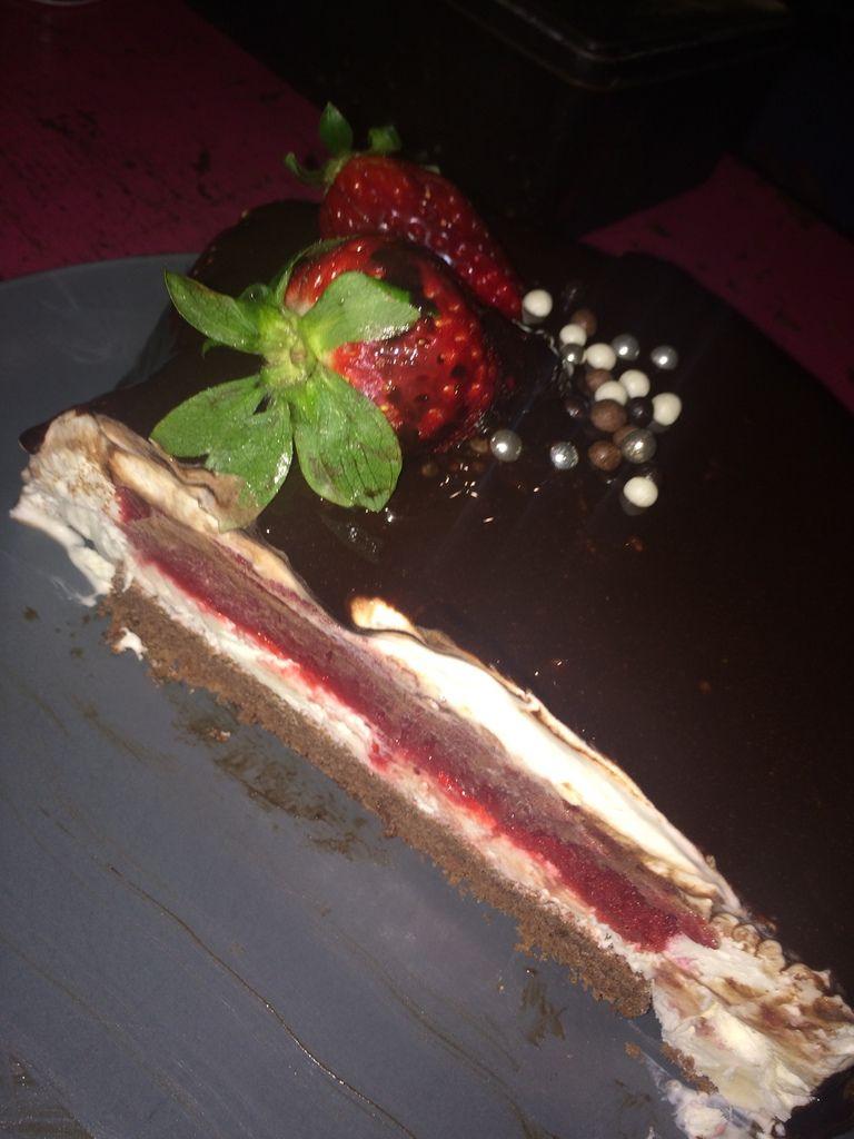 Entremet fraises et chocolat
