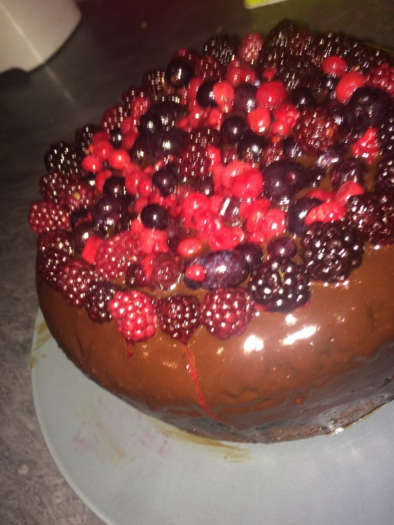 Gateau chocolat et fruits rouges