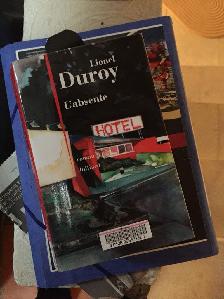 L'absente, Lionel Duroy, Julliard