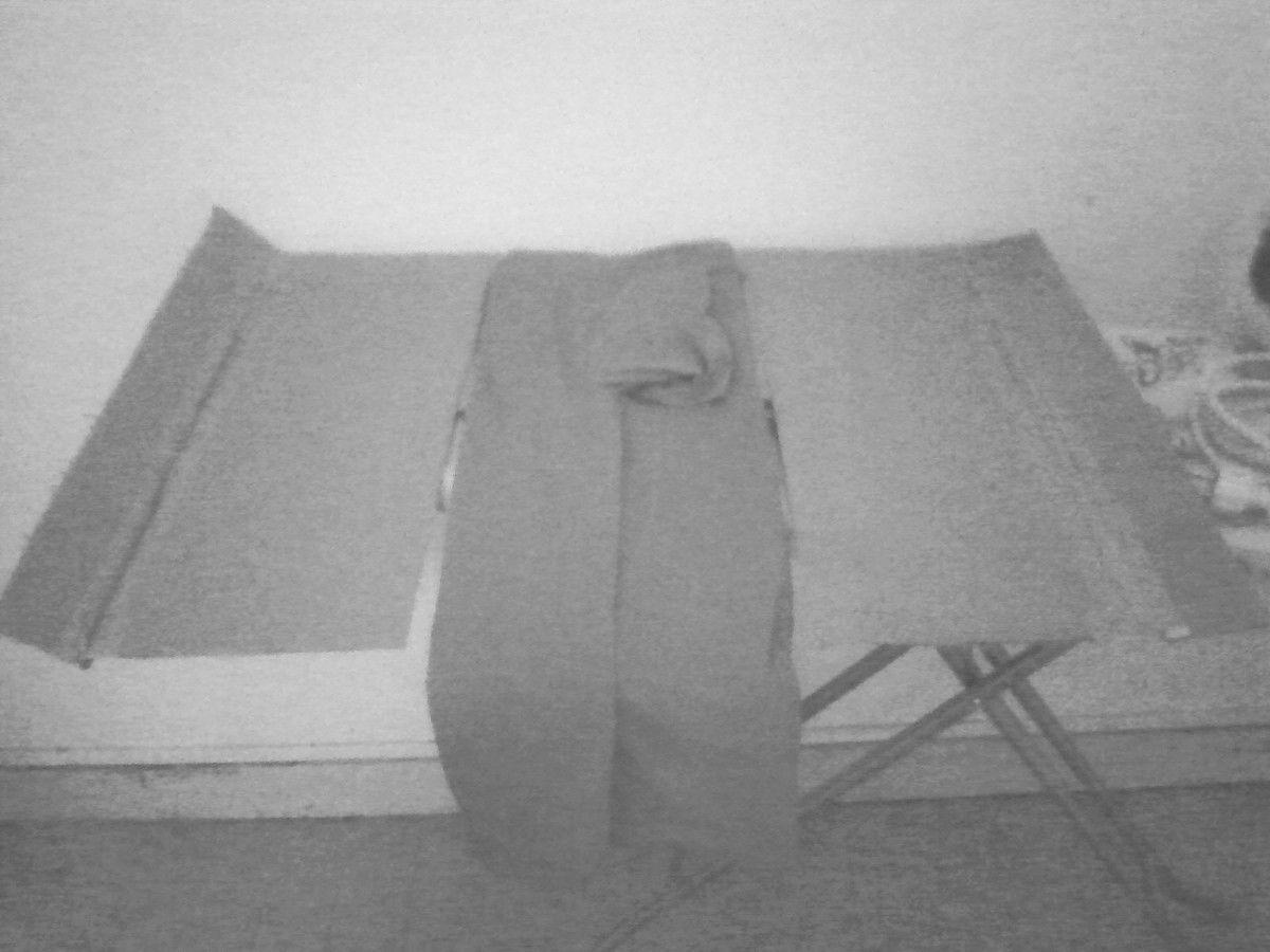 machine plier les chemises toile humaine. Black Bedroom Furniture Sets. Home Design Ideas