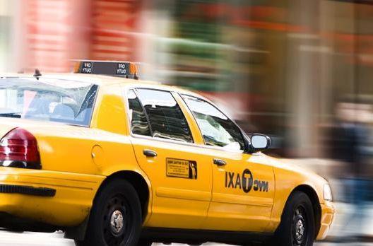 UBER VS Taxi, qui contacter?
