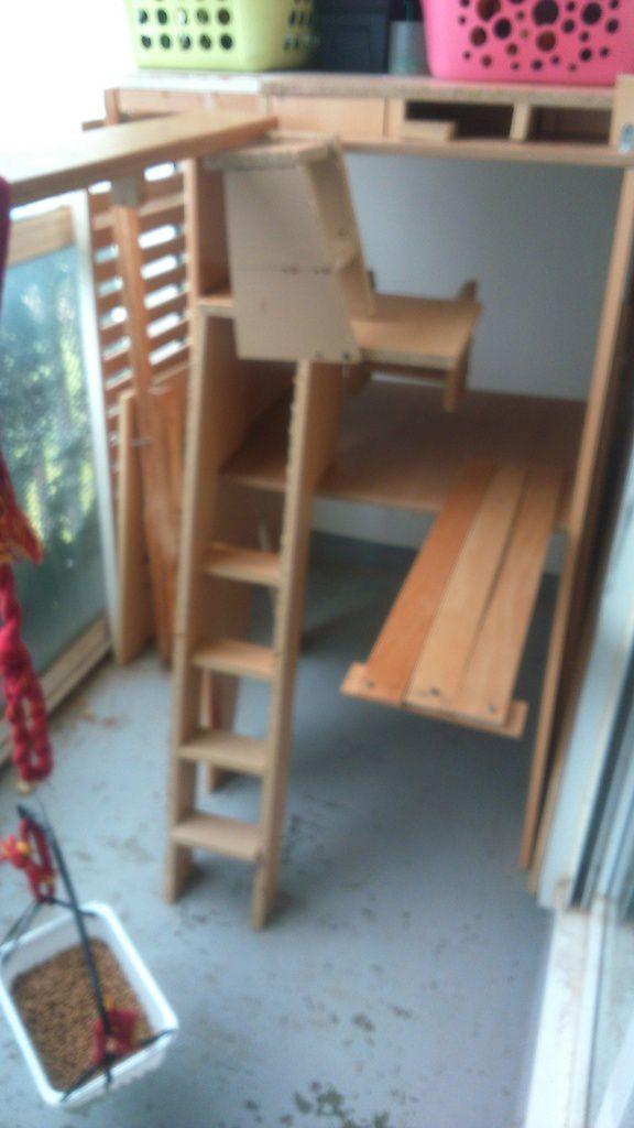 escalier pour chats bricolage cuisine. Black Bedroom Furniture Sets. Home Design Ideas