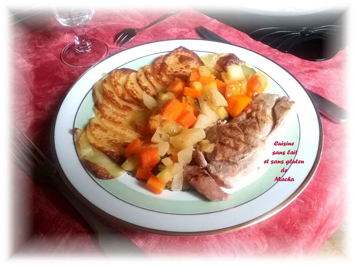 Gigot grillé avec ses petits légumes et sa guirlande de pomme de terre rôties