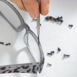 vis de lunettes