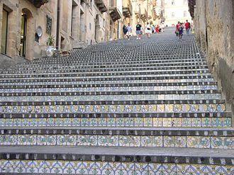 (les photos de l'escalier proviennent du web)