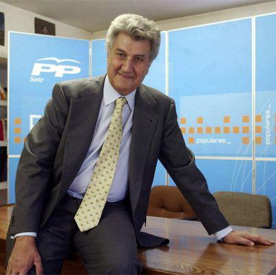 España se va recuperando. 66.000 euros para el retrato de Posada para el Congreso
