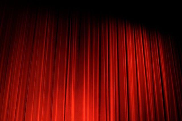 Revoir des pièces de théâtre