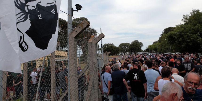 Le maire de Sisco a interdit le port du burkini dans sa commune. Les rassemblements ont été très nerveux pendant plus d'une semaine. La population corse ne tolère pas que deux des siens aient été arrêtés dans le cadre de l'enquête sur la rixe