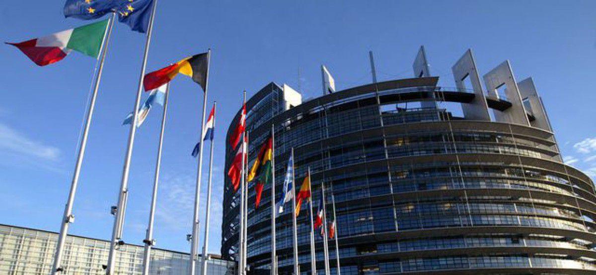 nos politiciens se battent comme des fous pour rentrer dans l'administration européenne  pourquoi ?